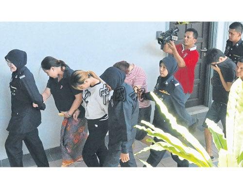 法庭將5人帶上庭,最終只有4人被控綁架罪。