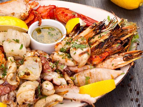 什麼原因導致你高膽固醇?導致高膽固醇的原因很多,其中之一是從食物中吸取過多飽和脂肪、反式脂肪和膽固醇。
