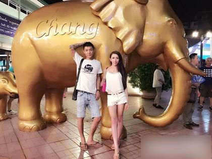 兩人常一起出國旅遊。
