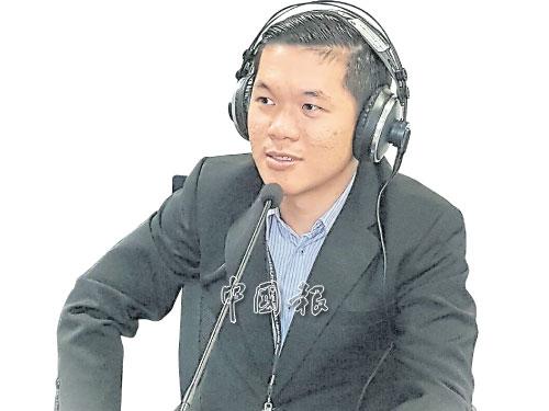 """陳文峰從會計師""""轉行""""成為反貪會官員,但他無悔這個選擇。"""