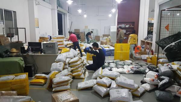 PSW主要市場在英、美、澳,而且業績亮眼,一天的發貨量可達約3000個包裹。