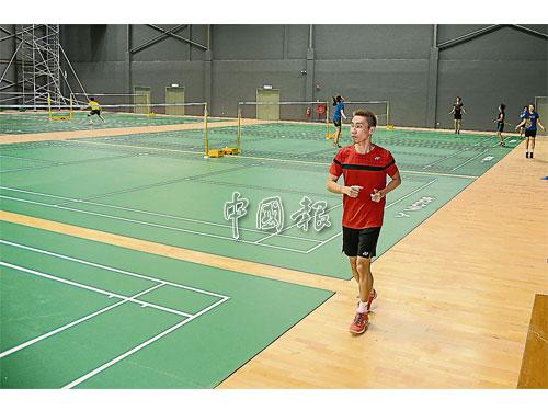 男單一哥李宗偉在嶄新的馬來西亞羽球學院進行訓練。