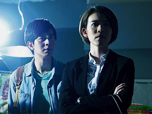 (右)狄妃和李偉燊憑《寵愛》榮獲男女配角獎。