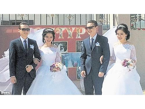 哈薩克一對雙胞胎姐妹,她們嫁給了一對雙胞胎兄弟。