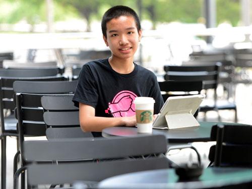 """13歲的林文傑編寫的50個應用程序,14個已被""""蘋果""""納入應用發行平台內。"""