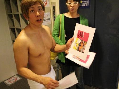 日本AV男優清水健。