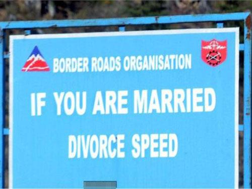 用愛來提醒駕駛人士開慢一點。