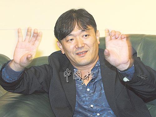 木村健太郎在受訪時七情上臉,臉部表情如同他的生活般豐富。作為一個資深廣告人,他的哲理就是勇于闖蕩未知的世界,給自己更豐富與新鮮的生活歷練。