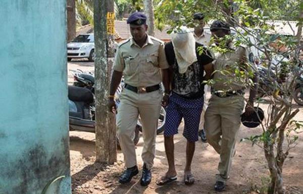 印度警方逮捕嫌犯助查。(每日郵報)