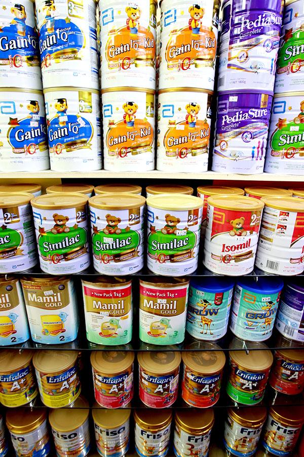 新加坡市場上,嬰幼兒配方奶粉的價格,在過去4年裡上漲了20.7%到39.3%。(檔案照)