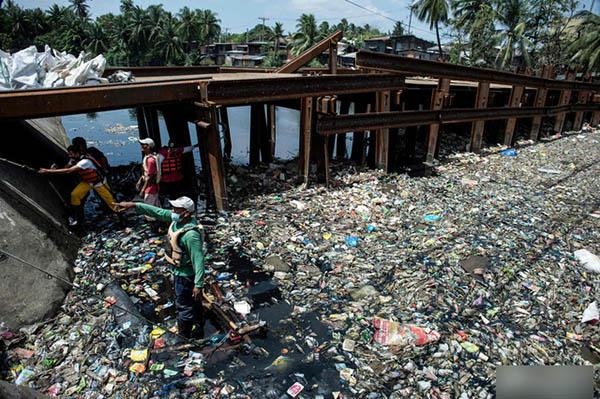 """非政府組織""""純淨地球(Pure Earth)""""致力於解決發展中國家的污染問題,馬里勞河是他們設立清理項目的30個污染地區之一。"""
