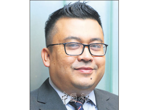 馬來亞國立大學(UKM)醫療中心精神專科醫生哈芝利,呼籲人們給予精神分裂症患者更多鼓勵和支持,讓他們能回復正常生活。