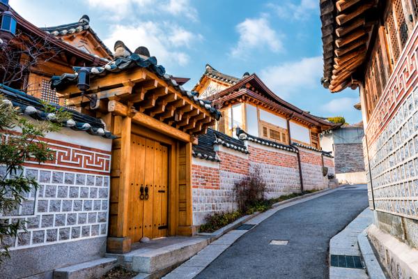 韓國古屋保存得最完善的地區-北村韓屋村,漫步在此體驗韓國傳統村莊風貌。