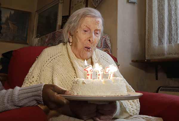 莫拉諾去年11月29日在家中慶祝117歲生日時攝。(美聯社)