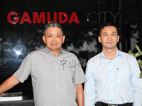 張浩坤(左)與周志發共同出席金務大置地在河內的媒體匯報會。