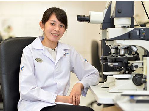許碧珠專門分析血跡和纖維。