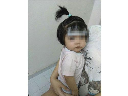 女嬰因發燒被送入院接受治療。