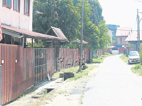 早期的唐人坡打鐵街,目前已沒打鐵,但住家尚保留。
