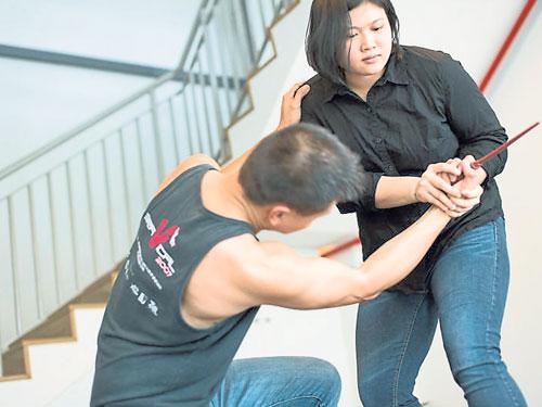 秦妘泉是新加坡首位獲得英女王年輕領袖獎項的武術家。(受訪者提供)