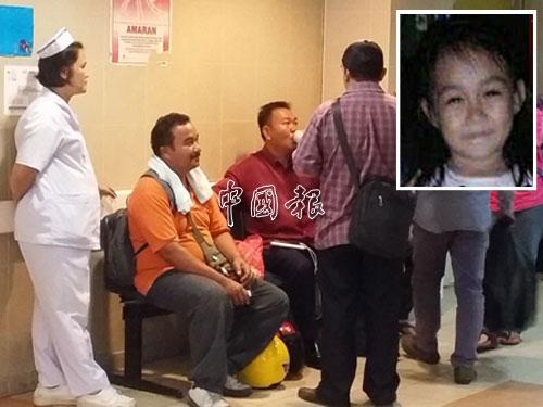 小死者家屬在病房前悲慟獲護士安慰。小圖為坲羅倫遺容。