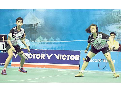 張清玉(右)與印尼籍搭檔里琳,搭上世錦賽末班車。