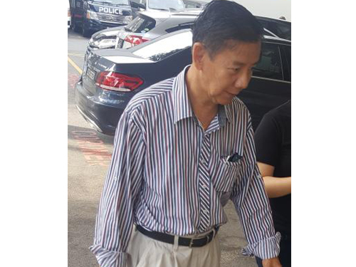 林知麟的父亲林武扬,周五早上到殓尸房领取儿子遗体。