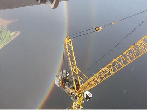 俄羅斯日前出現一道圓形彩虹。