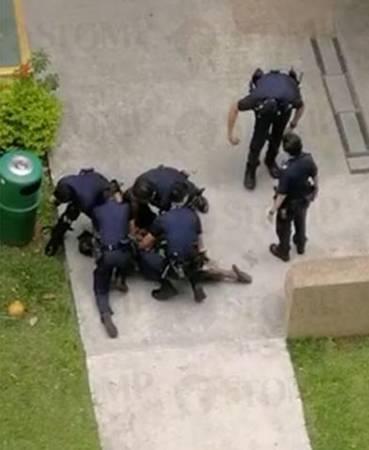 狂漢被6名警員壓倒制伏。