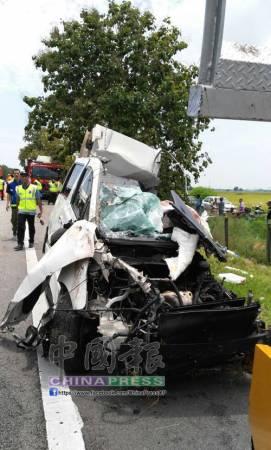 肇禍休旅車車禍后,毀不成形。