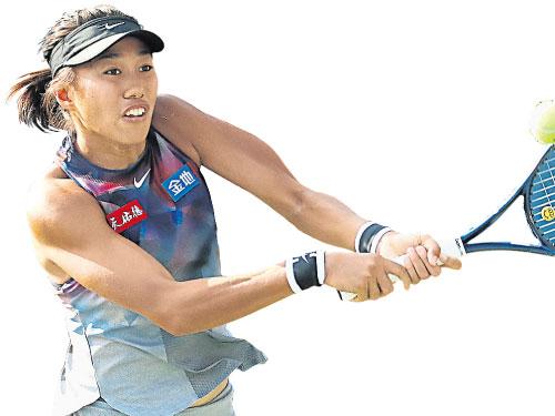 張帥在首圈補賽以2比1擊敗德國人利斯基,成為中國女單孤零的小花。(歐新社)