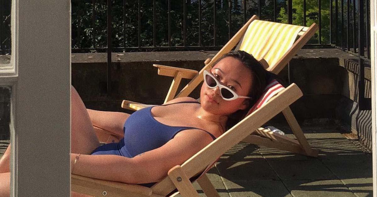 在外国读书的喜儿经常会上载性感照片到社交平台。