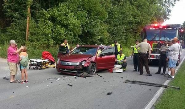 事發時,汽車受影響的部分是左側駕駛座的部分,奧德拉所在的副駕駛座其實未受影響。