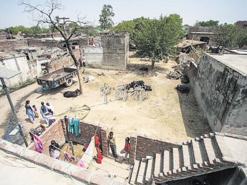 莫拉達巴的民間生活情景。
