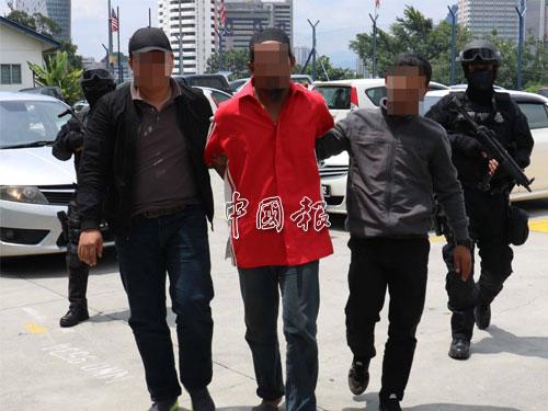 警方反恐特別行動部隊,日前在霹靂、雪蘭莪和馬六甲三州,逮捕3名恐怖分子。