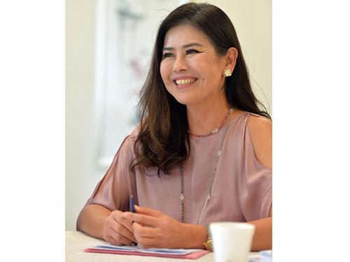 1988年新加坡小姐張思麗,負責培訓及擔任賽事評委。