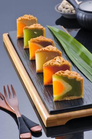 傳統加創新月餅,吃出不同層次感與口味,皆是海外天誠心誠意的創作與祝福。