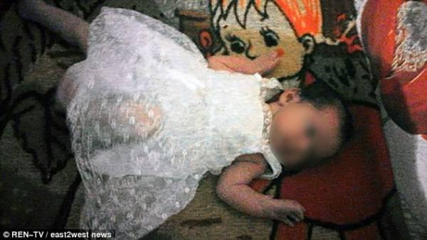 女嬰納塔利婭慘遭砍頭。