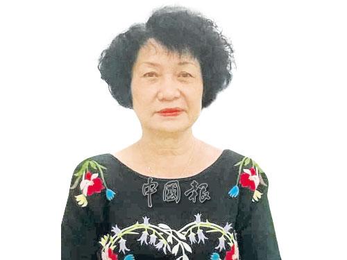 楊燕瓊老師大半輩子獻身華教。