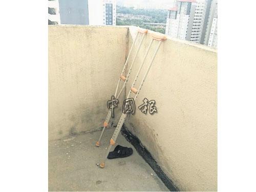 行動不便的死者,從10樓組屋跳樓自殺。