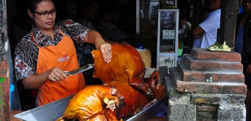 烤乳豬是峇厘島的名菜之一。