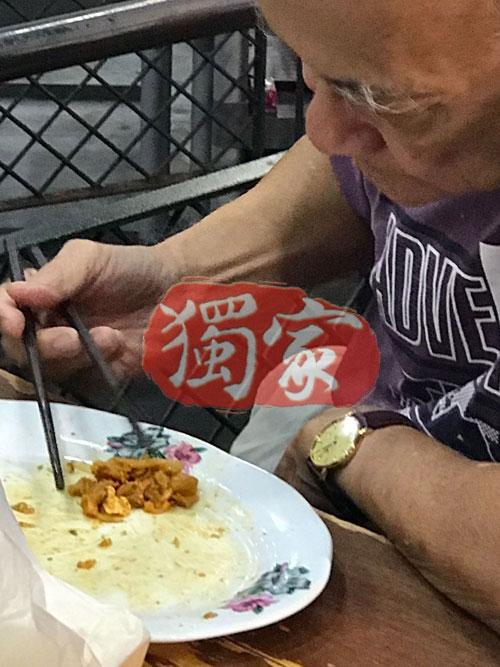 炒粿條味道正宗,深受食客喜愛。 在新加坡也可以嚐到道地的大馬美食。