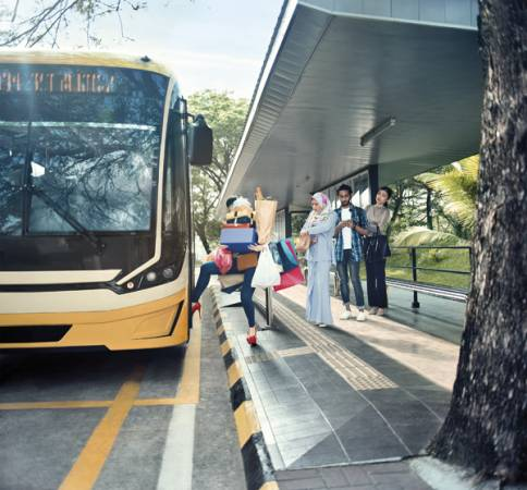 與其大包小包搭巴士,不如選擇更好的公共交通工具。