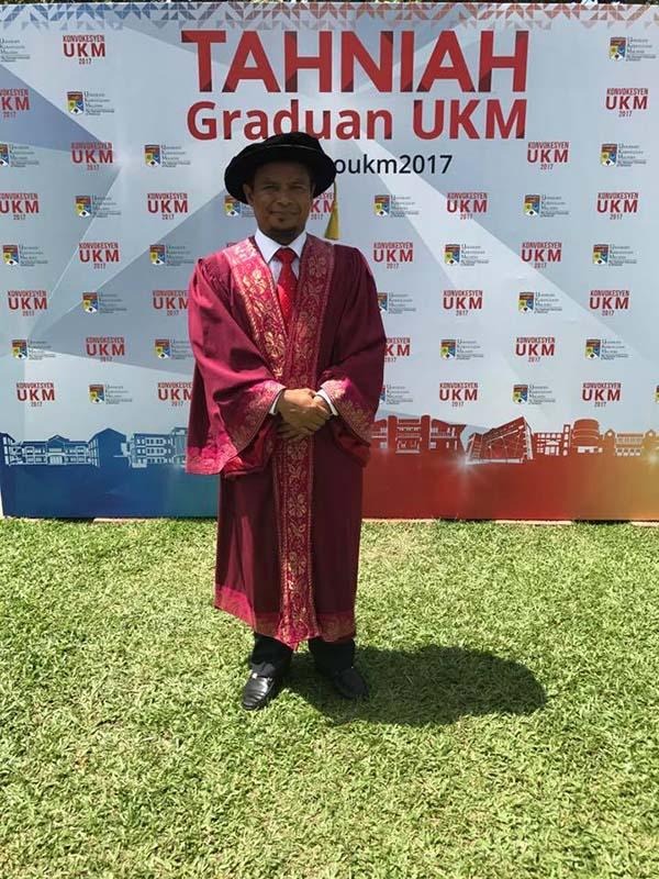 扎米漢莫辛研究伊斯蘭思想和信仰,並在2年后通過口試,而獲得國立大學頒發博士學位。