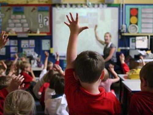 韋德小學採用中英雙語教學方式,引起英國媒體和家長廣泛關注。(互聯網)