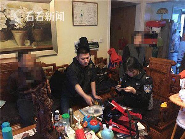 警方雷厲風行的行動,同步在多區逮捕監視已久的嫌犯。