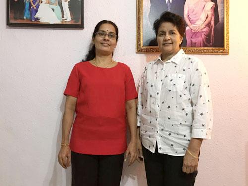 女傭安碧佳(左)為僱主西瓦瑪麗工作已有18年。(《新報》)