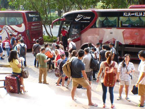 距離農曆新年3個月,長途巴士車票已賣得旺熱。