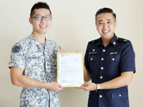 王信義見義勇為的行為,獲得警方頒發表揚獎狀。