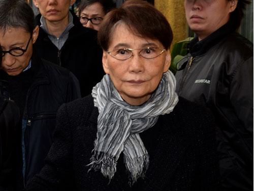 方逸華因病逝世,享年83歲。