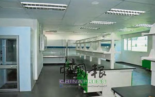 實驗室因施工缺陷及實驗器具不足,被空置而無法使用。